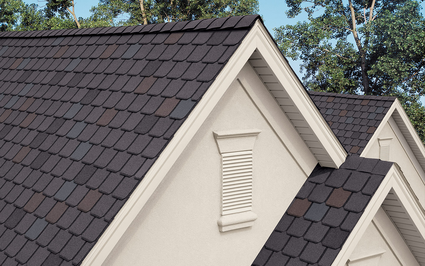 Berkshire – Scalloped Roof Shingles